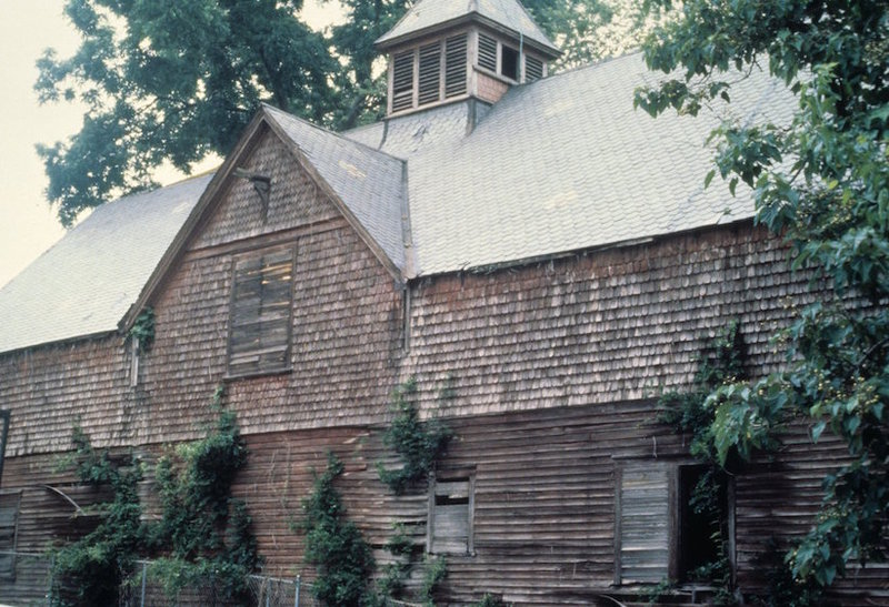 Tucker Carriage House