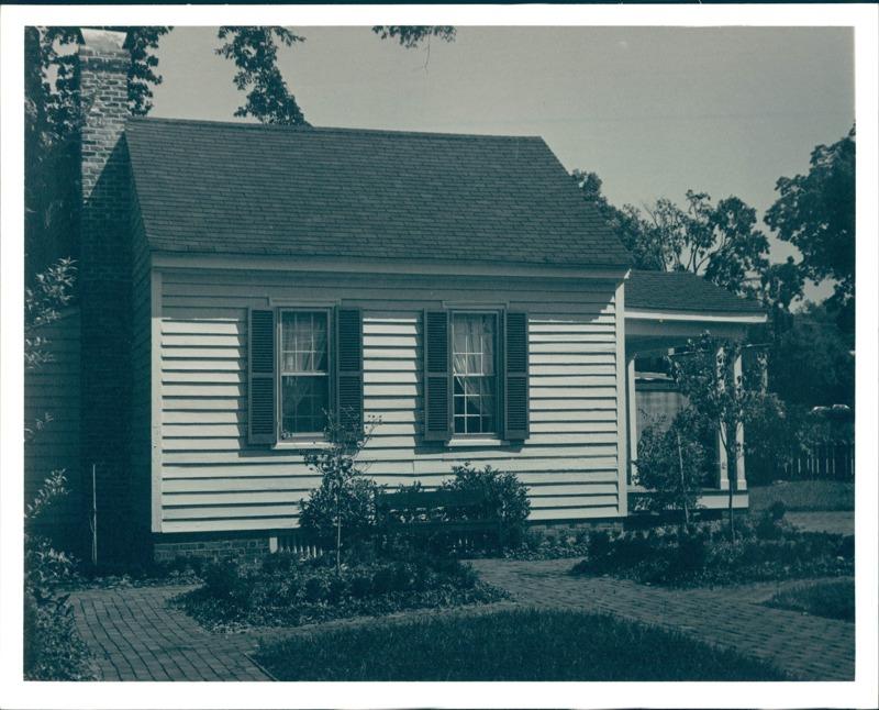 Mordecai Building, 1970s
