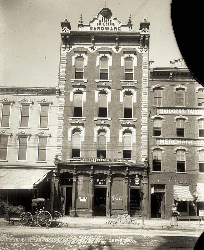 Briggs Hardware Building, 1900-1915