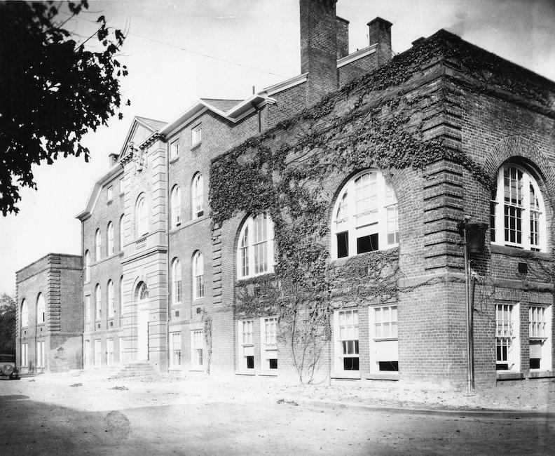 Holladay Hall, 1930