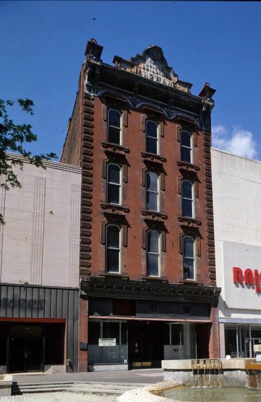 Briggs Hardware Building, 1980s
